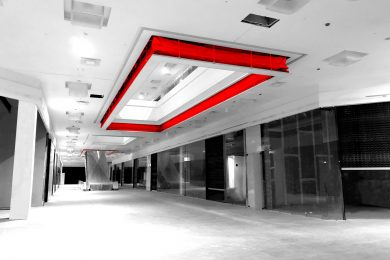Automatic accordion type fire curtain